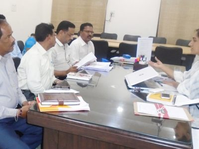 GWMC commissioner Shruti Ojha speaking to officials over ODF at her chamber on Thursday.