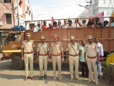 Beggars being shifted to Chanchalguda Prisons under 'Beggar Free City' operation conducted by Hyderabad police.
