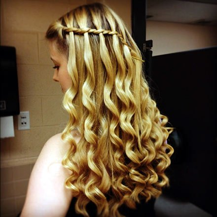 Outstanding Try Theses New Hairstyles To Look Smashing This Festive Season Natural Hairstyles Runnerswayorg