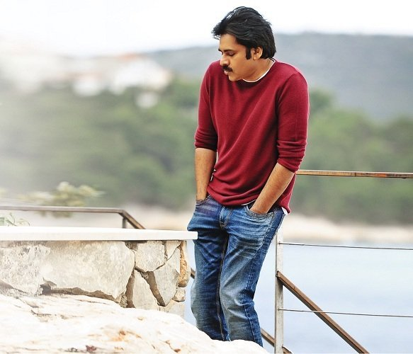 Pawan Kalyan To Star In Telugu Remake Of Pink Read all news including political news, current affairs and news headlines online pawan kalyan takes metro to participate in 'vakeel saab' shoot. pawan kalyan to star in telugu remake
