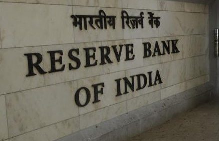 RBI asks banks not to charge savings account customers for NEFT