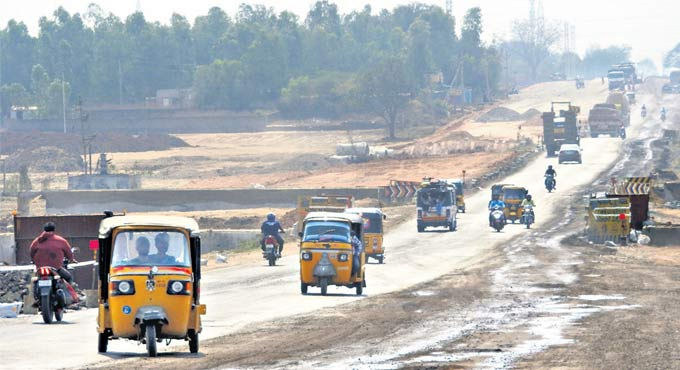 Mancherial-Chandrapur highway expansion spells end of road for small traders