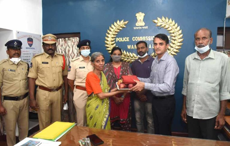 Telangana: Mentally-ill woman reunites with family after 8 years
